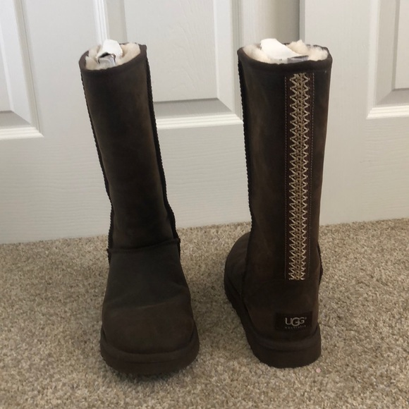 911c68638b2 Ugg Australia classic tall bomber leather boot 7